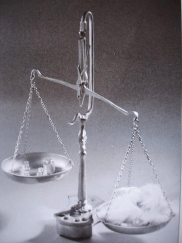 8694d-justice2bet2binc3a9galitc3a92b-2bles2bplateaux2bde2bla2bbalance2bby2bfrachet2c2bjan2b20102c2bpublic2bdomain2bvia2bwikimedia2bcommons