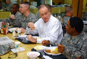 Bill O'Reilly dining with troops, image public domain via Wikimedia Commons