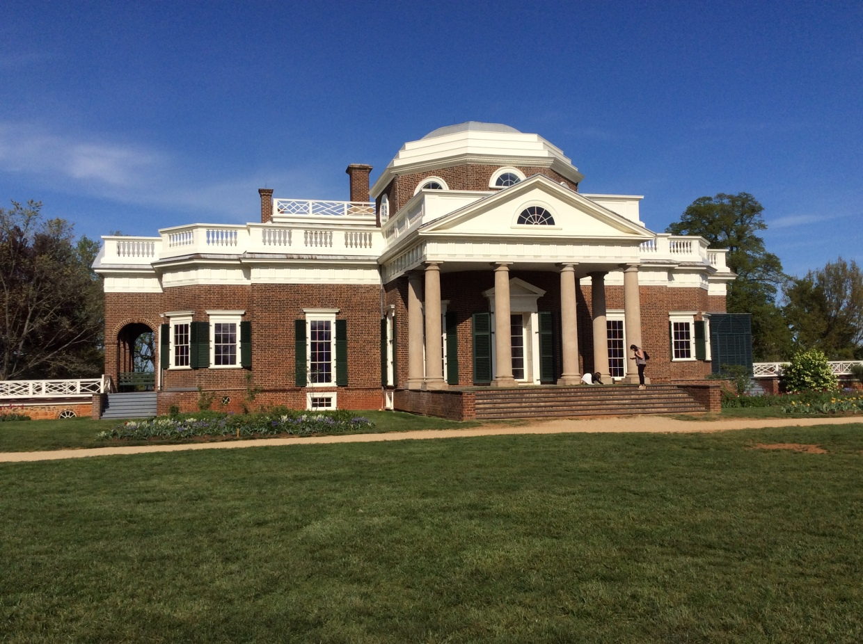 West (rear) entrance of Monticello, photo 2015 by Amy Cools.JPG