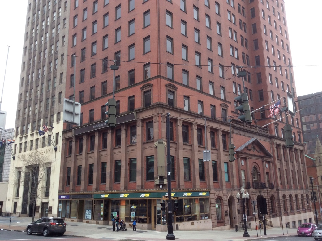 Bank Building at NE corner of State and Pearl, site of old Tweddle Hall, 2016 Amy Cools