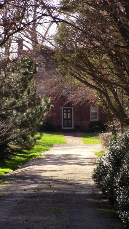 Another view of Mt Misery farmhouse from the driveway entrance
