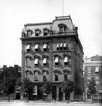 Freedman's Savings Bank Building, Pennsylvania Ave, Washington DC, public domain via Wikimedia Commons