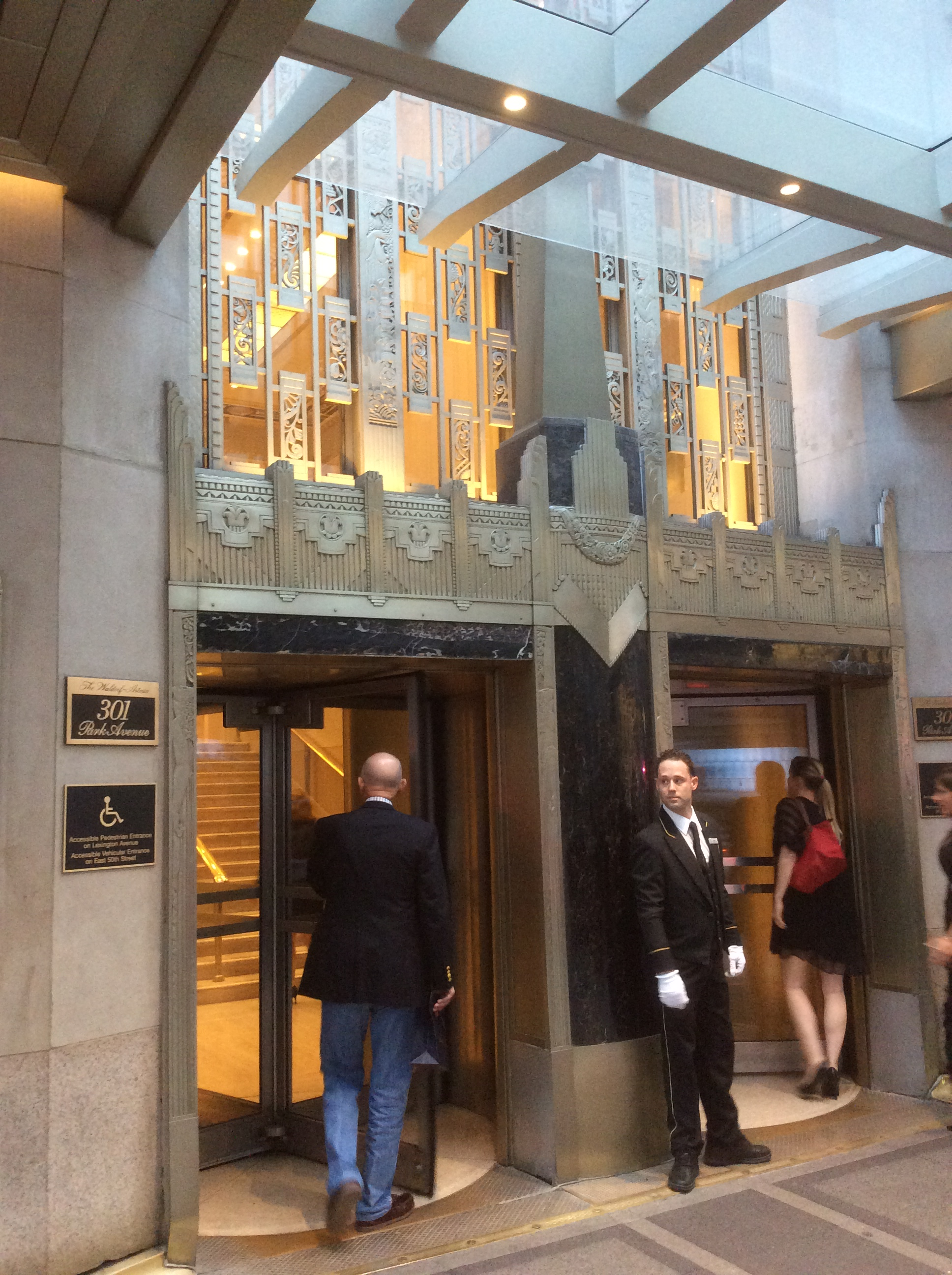 Front Entrance Of The Waldorf Astoria Hotel On Park Ave At E 50th St