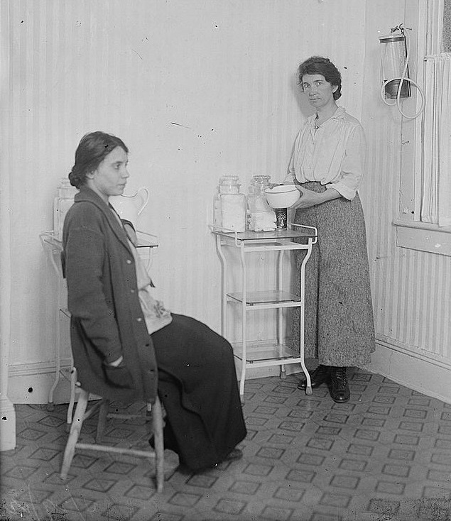 Margaret Sanger with Fania Mindell inside Brownsville clinic, forerunner of Palanned Parenthood, Oct. 1916, public domain via Library of Congress