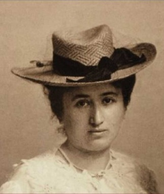 Rosa Luxemburg, By unknown photographer around 1895-1900 [Public domain], via Wikimedia Commons
